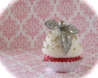 "Fake Cupcake Magnet ""1940's Hollywood Glam Collection"" Can be Made Into Ornament or Standard Size Cupcake"