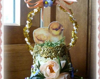 Victorian-Inspired Easter Egg Ornament with Chick (Peach)