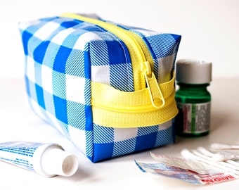 SALE Oilcloth Makeup Bag Cosmetic Case Small