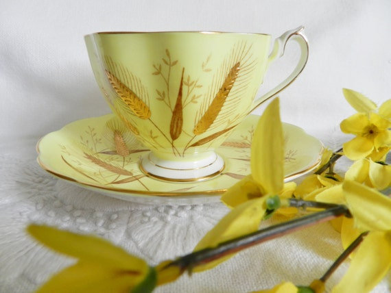 Vintage Yellow Wheat Queen Anne Tea Cup  no25