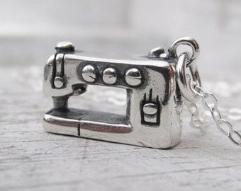 Sewing Machine Charm Necklace, Sewing Lovers Gifts, Sewing Machine Jewelry, Gift For Seamstress, Sterling Silver Sewing Machine Charm