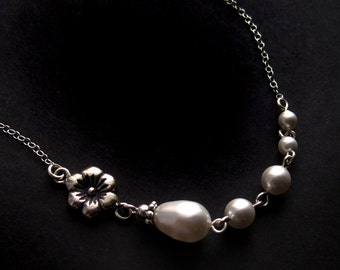 Sterling Silver Flower and Swarovski Pearl Link Necklace