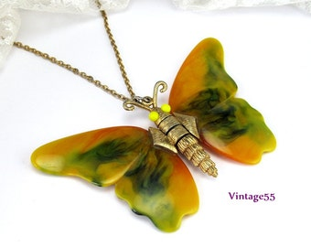 Vintage Necklace Bakelite Butterfly Pendant Articulated