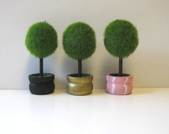 10 Topiary place card holders/ Custom name tag holders/ Hand painted party supply/ Wedding