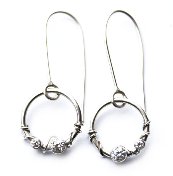 Grace circle drop earrings