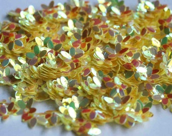 100 Yellow rainbow  shade sequins