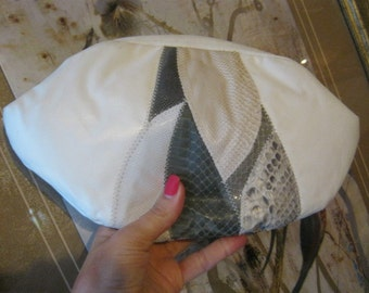 Vintage Small ivory leather clutch, ivory grey shoulder bag, snakeskin and lizard embrossed pattern pouchy bag, shoulder or clutch bag