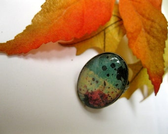BLOTCHES and SPATTERS ring in Pale Green // Macabre // Goth // Abstract // Oval Ox Brass Setting, Image Under Glass Dome