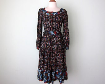 70s dress / calico floral print prairie navy tie waist ruffle with vest (m - l)