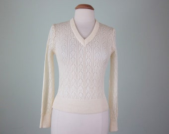 70s sweater / cream pointelle knit sheer vneck knit top (s - m)