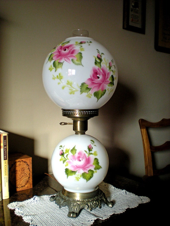 Gone With The Wind GWTW HEDCO Hurricane Lamp 1950s Milk