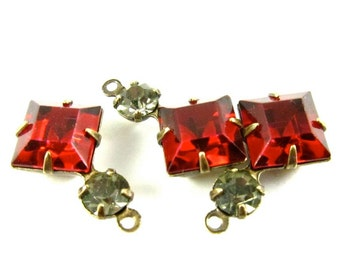 2 - Vintage Glass Square and Round Stones in 1 Ring 2 Stones Antique Brass Prong Settings - Siam Red & Black Diamond - 18x11mm