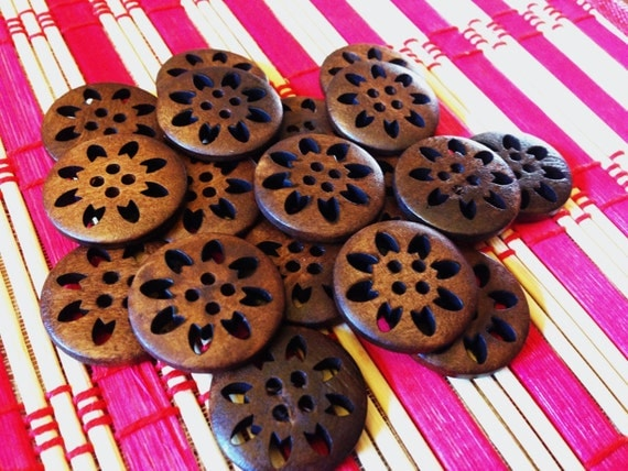 Carved flower wooden buttons - New sew through matching brown buttons, 25 pcs, 25 mm, 1 inch, painted wood round buttons, 4 holes, A063