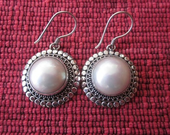 Awesome Sterling Silver Pearl Mabe Earrings / 1.55 inch long / White Mabe Pearl / Bali handmade jewelry / silver 925