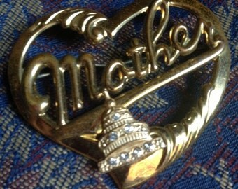 Vintage Gold Tone Mother Pin Heart Capitol Building Rhinestones good brooch pin jewelry clasp
