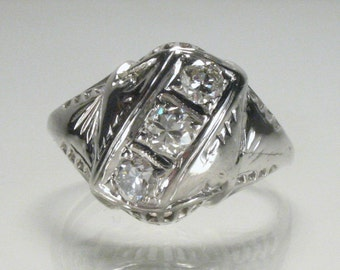 Vintage Antique Diamond Ring -  engagement Ring - 0.38 Carats Old Cut (Transitional Cut) Diamonds - Appraisal Included