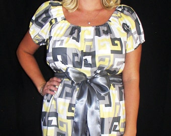 Maternity Hospital Gown - Ready to Ship - Snaps Down Back and Shoulders - Perfect for Nursing and Skin to Skin