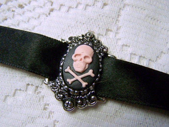 Skull Crossbones Lady Pirate Choker - Gothic Girly Pink Black Noir Lolita - Lady Pirate Costume Accessory