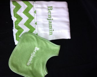 Set of personalized bib and burp cloth set