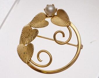 Faux Pearl Leaf Circle Pin Vintage