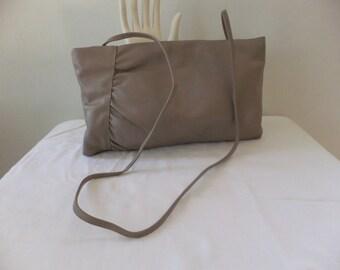 Vintage Hinge Clutch Purse Shoulder Bag Leather Beige Tan Womens Retro Accessories Evening