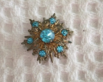 Vintage Brooch Blue Faux Stone Goldtone Pin Round Star