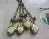 Set of 4 Bridesmaids Necklace, Cream Rose Heart Locket Necklaces, Bridesmaids Gifts