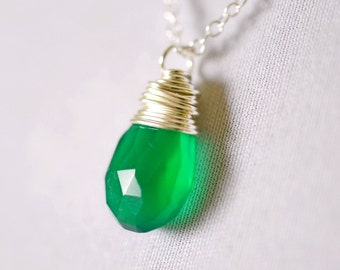 Emerald Green Necklace, Sterling Silver Necklace, Green Onyx Necklace, Dainty Necklace Wire Wrapped Gemstone, Green Necklace Silver Necklace