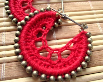 Crocheted hoops with beads in red and gold color beads, bohemian jewelry