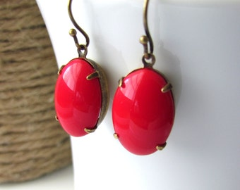 Vintage Red Glass Earrings, Tomato Red Earrings, Antique Brass, Simple Red Earrings, Cherry Red Earrings, Vintage Red Earrings