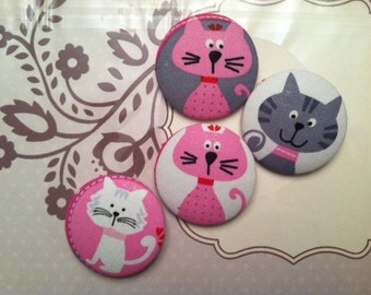 4 Fabric Covered Buttons Size 75 Happy kittens