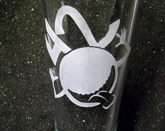 Hitchhiker's Guide to the Galaxy etched pint beer glass tumbler