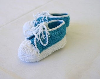 Newborn baby sneakers 0-3 month peacock white teal turquoise crochet shower gift handmade soft soled booties infant tennis shoes