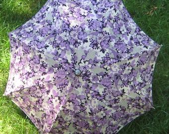 Its Raining Men Great 1940s 1950s  Vintage purple  Floral  Umbrella Parasol