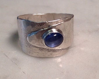 sterling silver ring, sapphire cab.
