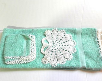 Vintage 40s Towel and Wash Cloth set with crochet - on sale