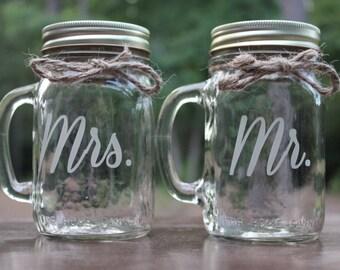 2 Mason Jars Mugs, Mr and Mrs Mason Jar Mugs, Engraved Mason Jar Mugs, Couples Mugs, Couples Glasses, Wedding Glasses, Toasting Glasses