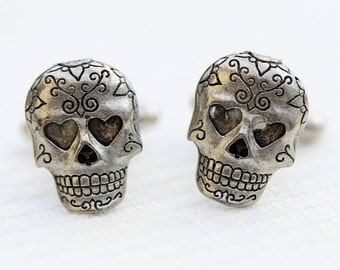 Skull Cufflinks Silver Plated Metal Vintage Inspired Style Antiqued Finish Men's Cuff Links & Accessories
