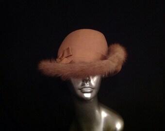 Vintage Camel Sandra New York Fur Trimmed Brim Hat Upturned Side Doeskin Felt 100% Wool Made In USA