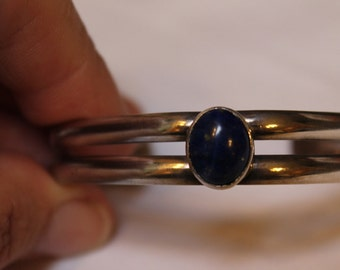 beautiful vintage lapis and silver bracelet