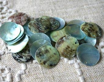 100pcs Mussel Shell Pendant Natural Drop 15mm Round Light Blue Grey