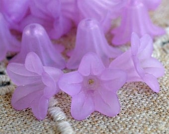100pcs Trumpet Lily Frosted Lucite Flower Light Purple Beads Acrylic 17x12mm Iced For Lucite Flowers Earrings