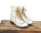 Vintage Ultra Distressed Off White Leather Ladies Lacer Rodeo Grunge Kilt Boots Ladies Size 6