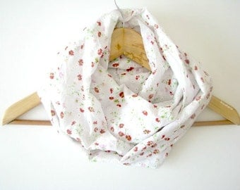 Infinity Scarf - Loop scarf - white cotton cowl - Spring Summer