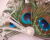 Peacock Wedding Bridal Hair Clip / Bridal Peacock Feather Hair Clip with pearl and rhinestones / peacock feather fascinator