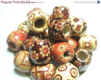CLOSEOUT - Mixed Colored WOOD Beads - Mixed Designs (16 mm)  - 100 pieces