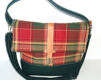 Red/Green Plaid Messenger Bag, Prep School Plaid Crossbody Bag