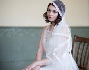 Juliet cap veil in Ivory-  Silk tulle with lace and velvet flower-  Mantilla veil or bohemian veil - Vintage style wedding veil.