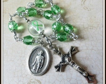 Liver Cancer Rosary with St. Peregrine Medal, Patron Saint of Cancer Patients w/ Green Awareness Ribbon