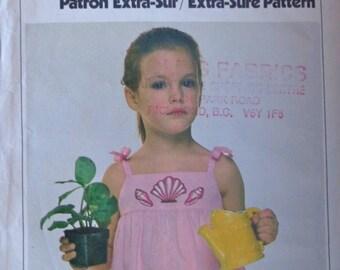 70s Girls Sundress Pattern Size 3 to 5 Simplicity 8597 UNCUT